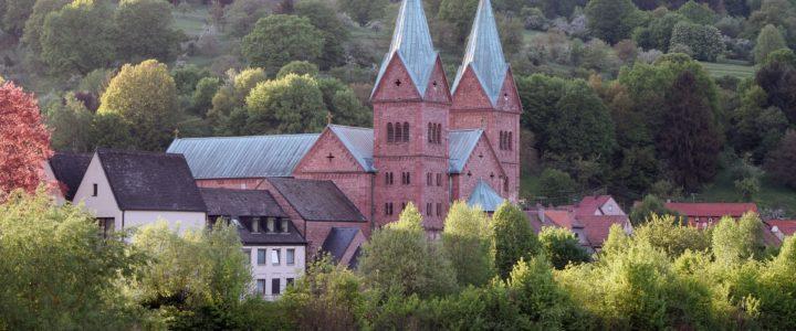 découvrir les cathédrales suisse et les légendes de l'histoire médiévale